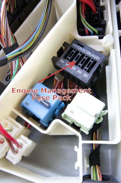bmw engine electronics fuse pack \u2013 in underhood e box, e46 E46 Fuse Box