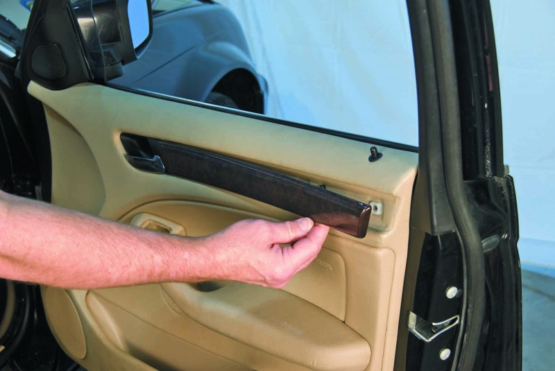 Service manual removing door panel 2006 bmw 530 how do i remove outside door handle on 2010 for E39 interior door handle replacement