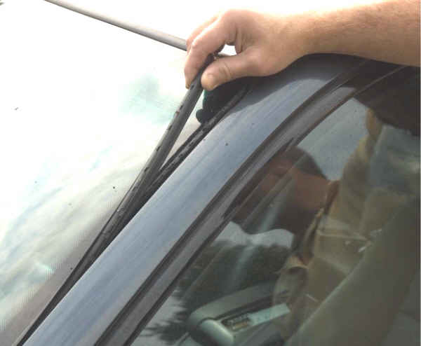 BMW DIY How To – Windshield Trim (Gasket) Replacement – Late Models With Glued-In Windshields ...